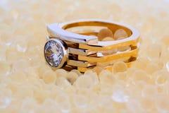 diamentowy złocisty pierścionek Obraz Stock