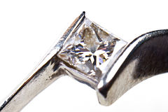 diamentowy zamknięty diamentowy pierścionek zaręczynowy zdjęcia stock