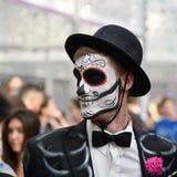 Diameter de los Muertos karneval Man för sockerskallemakeup Dag av Royaltyfri Foto