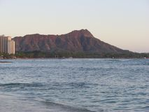 Diamond Head & hawaianskt hav Royaltyfri Foto