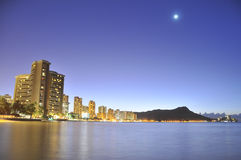 Diamond head with ocean in the foreground Royalty Free Stock Photos