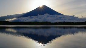 Diamond Mt Fuji från sjön Tanuki Japan lager videofilmer