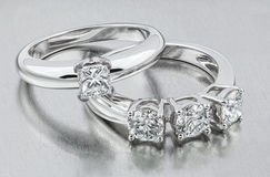Diamond Ring Anéis de casamento dourado Noiva rin Foto de Stock Royalty Free