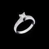 Diamond ring on black background Royalty Free Stock Photos