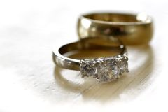 Diamond Ring Representing Love und Verpflichtung Lizenzfreie Stockfotografie