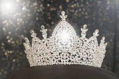 Diamond Silver Crown para Srta. Pageant Beauty Contest, Crystal Tia Foto de archivo