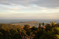 Diamondhead and the city of Honolulu, Kaimuki, Kahala, and ocean Stock Images