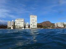 Diamondhead en Flatgebouwen met koopflats van de oceaan Stock Afbeelding