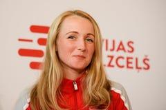 Diana Marcinkevica lag Lettland Medlemmar av Team Latvia för FedCup, under möte av fans, för världsgruppen II rundar först gummin fotografering för bildbyråer