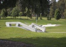 Diapositiva del carril del parque del tablero del patín foto de archivo libre de regalías