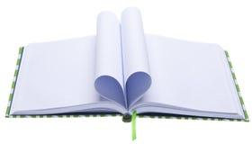 Diario en blanco con las paginaciones plegables en una dimensión de una variable del corazón foto de archivo