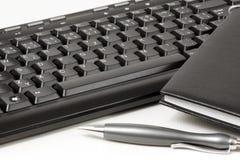 Diario en el teclado. Fotografía de archivo libre de regalías