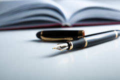 Diary with fountain pen 2 Royalty Free Stock Photos