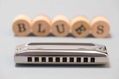 Diatoniczna błękit harmonijka obrazy stock