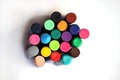 Dibuje con creyón los colores brillantes Imagen de archivo