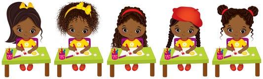 Dibujo afroamericano lindo de los artistas del vector pequeño Pequeñas muchachas afroamericanas del vector ilustración del vector