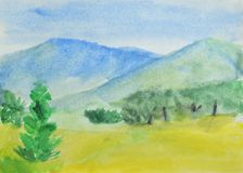 Dibujo del ` s de los niños: montañas, bosque del verano y cielo azul Dibujo en acuarela Imagenes de archivo