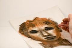 Dibujo por el l?piz y el carb?n de le?a sangu?neos Retrato de un hombre fotografía de archivo