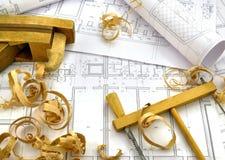 Dibujos de ingeniería y herramientas del edificio Imagen de archivo libre de regalías