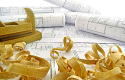 Dibujos de ingeniería y herramientas del edificio Fotos de archivo libres de regalías