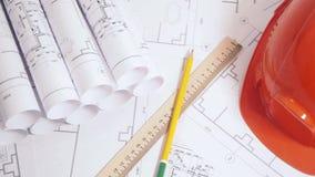 Dibujos de ingeniería y modelo Dibujos y modelo arquitectónicos de papel Modelo de la ingeniería metrajes