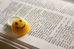 Diccionario del significado de la sonrisa Imagenes de archivo