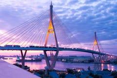 5 dicembre 2017, Bangkok, ponte 2 Facili di Bhumibol del cielo tramonto/di alba Fotografia Stock
