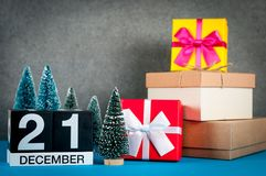 21 dicembre giorno di immagine 21 del mese di dicembre, calendario al fondo del nuovo anno e di natale con i regali e poco Fotografie Stock Libere da Diritti