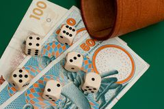 dices деньги Стоковое Изображение RF