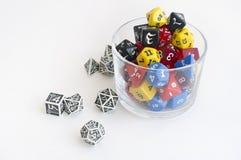 Dices для dnd, роли играя игры и настольные игры в стекле Стоковое Изображение RF
