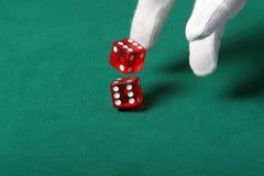dices throwing Στοκ φωτογραφία με δικαίωμα ελεύθερης χρήσης