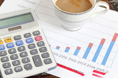 Dichiarazione con il calcolatore Immagini Stock Libere da Diritti