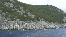 Dicht bij Grieks Rocky Seashore stock video