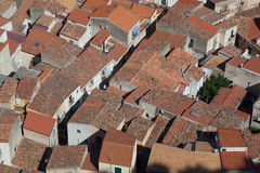 Dicht ingepakte daken in oude stad Cefalu Stock Afbeelding