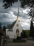 Dichtbij afgetapte kerk stock afbeeldingen