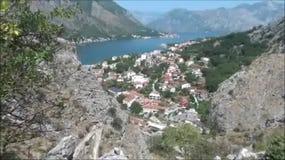 Dichtbij Kotor Mening bergaf, Montenegro stock footage