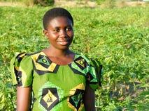 Dichtbij Pweto, Katanga, Democratische Republiek de Kongo: Het jonge vrouw stellen voor de camera royalty-vrije stock afbeelding
