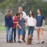 Dichte familie Stock Foto