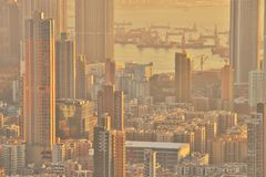 Dichte hoge stijgingsflats in Kowloon, Hongkong Stock Fotografie