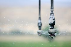 Dichte omhooggaand van de irrigatie Stock Fotografie