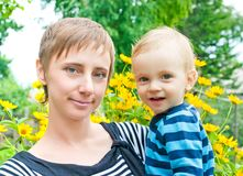 Dichte omhooggaand van de moeder en van de zoon Royalty-vrije Stock Afbeelding