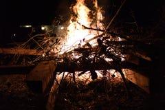 Dichte omhooggaand van het de winter grote vuur royalty-vrije stock foto