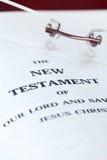 Dichte omhooggaand van het Nieuwe Testament Royalty-vrije Stock Fotografie