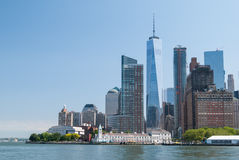 Dichte omhooggaand van Manhattan de stad in Stock Afbeeldingen