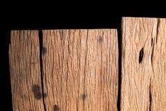 Dichte omhooggaande de textuurachtergrond van de aard donkere bruine houten vlek op zwarte achtergrond Stock Afbeeldingen