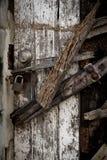 Dichte oude roestig van het omhoog-deurslot stock foto