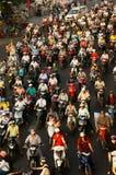 Dichter, gekrähter Verkehr, Motorrad, Ho Chi Minh stockbild