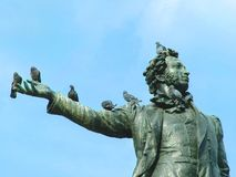 Dichter und Vögel stockbild