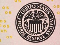 Dichtung des Federal Reserve-Systems auf wir 5 Dollarschein macr Lizenzfreie Stockfotos
