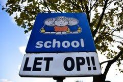 Dick Bruna Sign Be Aware Of skolbarn på Diemen Nederländerna Arkivfoto